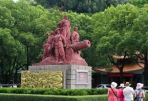 Monument commemorating the opium wars in Guangzhou agglomeration.