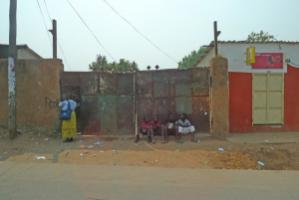 Young Zambians need opportunities: street view of a township in the capital Lusaka.
