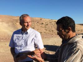 KfW director Helmut Gauges on the road in Morocco.