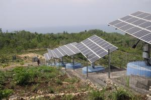 Renewable energy is essential according to the WGBU: solar panels on Java, most populous Indonesian island.
