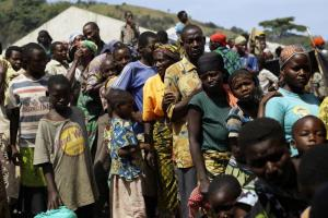 Burundian refugees making their way to Tanzania at the end of 2015.
