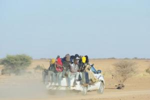 Migrants after departure from Agadez, Niger.