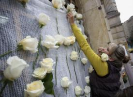 When President Manuel Santos was awarded the Nobel Peace Prize in October, his supporters decorated government buildings with white roses.