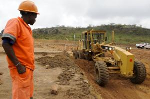 The NDB is supposed to fund infrastructure projects in the global south. In Malange, Angola, a Brazilian company is building a road.