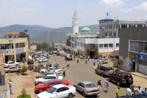 The government of Ruanda communicates the benefits of paying taxes to their citizens: center of Kigali.