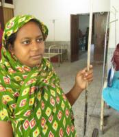 Health is on the G20 agenda: a patient in a Bangladeshi hospital.
