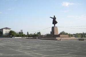 Post-Soviet repression frustrates many young people: Lenin statue in Osh, Kyrgyzstan.