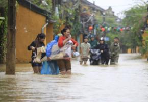 Stroms are getting worse: typhoon-caused flooding in Hoi An, Vietnam, in November.