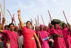 Tens of thousands of NGOs help people in India to fight for their rights. These women in Uttar Pradesh fight for women rights and against violence of men, corruption and police arbitrariness.