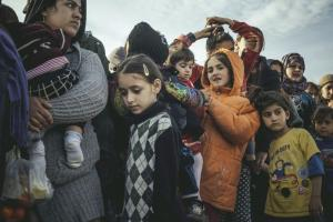 Unaccompanied minor refugees are particularly vulnerable and in need of protection: children in the Idomeni refugee camp on the Greek-Macedonian border.
