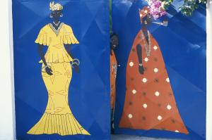 Culture and tradition matter: in Senegal, seperate meetings are held for women, young men and elderly men.
