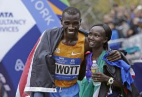 The Kenyan athletes Stanley Biwott and Mary Kaitany won last year's New York City Marathon.
