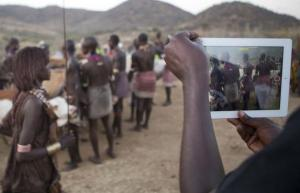Tablets and smartphones are in use all over the world today – here in Ethiopia.