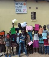 Zambia is struggling to develop its education sector: pupils of the private Sun-Spring Charity School, founded by Frank Masanta.