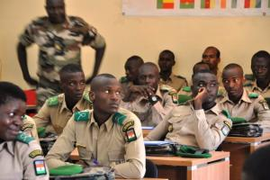 Soldiers of Niger attend a seminar held by the Konrad-Adenauer-Stiftung in Niamey.