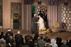 Grand Imam Sheikh Ahmed el-Tayyeb welcomes Pope Francis to Al-Azhar University in Cairo in 2017.