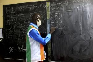 Counting of votes in Abidjan.