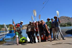 Local kayak guides with the evaluation team in Sendelingsdrif at the border river Orange.