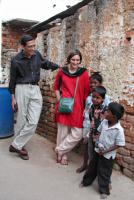 Abhijit Banerjee and Esther Duflo with Indian children
