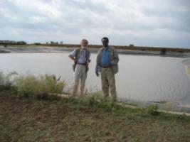No life without water: Rupert Neudeck and Abdulkarim Ahmed Guleid in front of a water reserevoir in eastern Ethiopia.