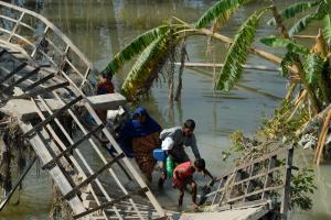 Cyclone damage in Bangladesh – reparing things boosts GDP, but only raises welfare back to the level it was before the event
