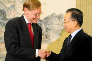 Robert Zoellick, the World Bank president, with Wen Jiabao, the Chinese prime minister