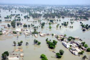 """Extreme weather can rapidly undo all efforts towards more sustainable agriculture."" Flood in Pakistan's fertile Punjab region in August"