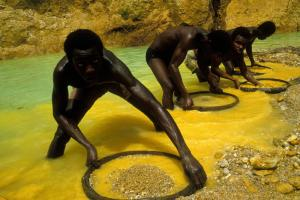 Panning for diamonds in Sierra Leone